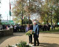 Iskolai ünnep és emlékezés a kivégzett mártírra Szőregen | 2013-10-22