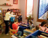 Kézműveskedtünk a könyvtárban   2015-03-03