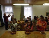 Madáretető készítés a Faluházban