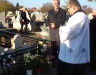 Szőregi plébánosok sírhelyei újultak meg | 2015-11-03