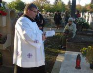 Szőregi plébánosok sírhelyei újultak meg