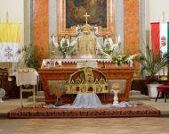 Ünnepi szentmise és kenyéráldás