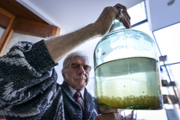 Bűzös szennyeződés úszkált Vörösék ivóvizében