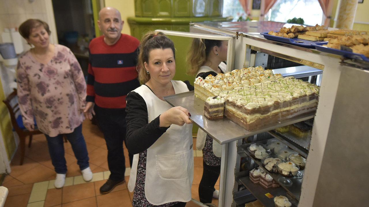6 évtizede csábít édes falatokkal a szőregi család
