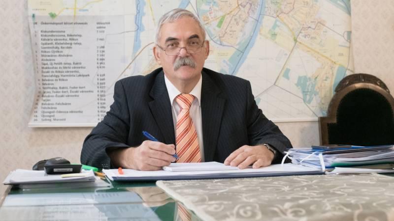 Nyugdíjba vonul Mózes Ervin, Szeged címzetes főjegyzője