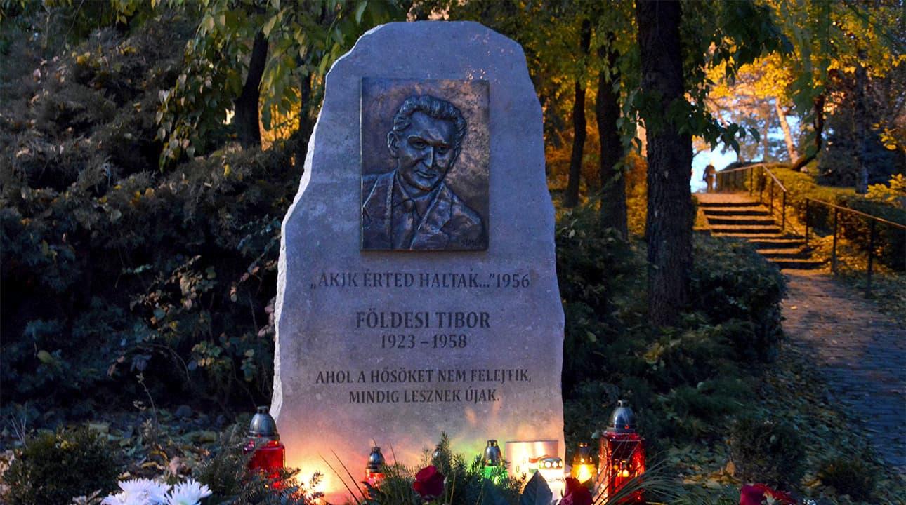 Földesi Tibor emlékmű